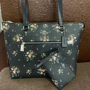 Coach tote bag with wristlet